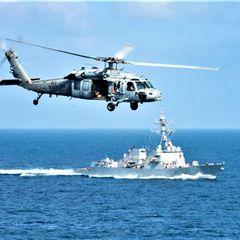 В Калифорнии упал в воду вертолет ВМС США