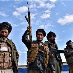 Талибы подняли в небо вертолет с