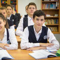 День знаний чуть не закончился трагедией в Петербургской школе