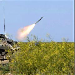 Российский военный сбил китайскую ракету из ПЗРК - видео