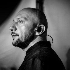 В Москве стреляли в известного певца