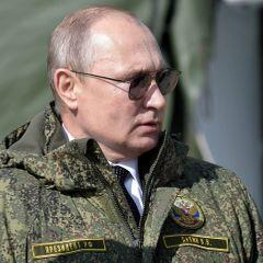 Готовится к вторжению: на Западе раскрыли смысл изоляции Путина