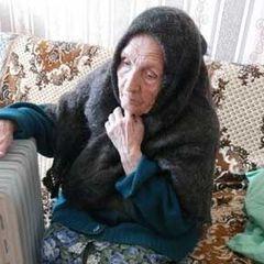 Стало известно, почему с возрастом люди сильнее чувствуют холод
