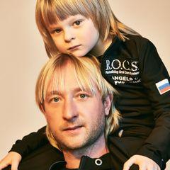 Плющенко пытается справиться с печалью после травмы сына