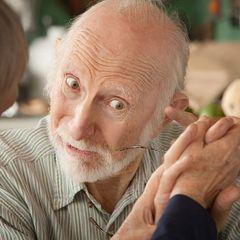 Как избежать болезни Альцгеймера: есть точный способ