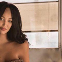 «Повезло»: молодую жену Цекало сняли в распахнутой рубашке