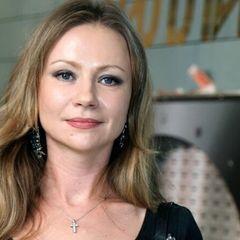 48-летняя Мария Миронова увезла маленького сына из России