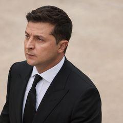 Зеленского подозревают в фальсификации покушения на помощника