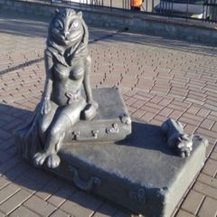 Какой ужас: жители города раскритиковали похабный памятник кошки