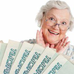 Подарок пенсионерам к Новому году: эксперты обещают выплаты